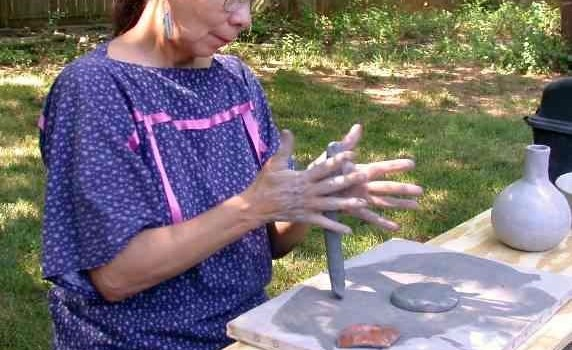 Clay vessels by Native American potter Jeri Redcorn added to Smithsonian collections
