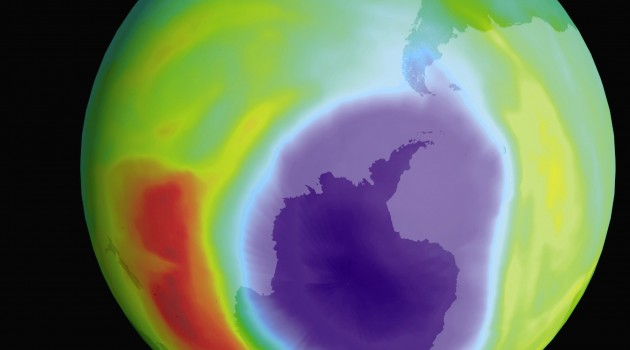 Device at the Smithsonian Environmental Research Center examines how phytoplankton would react if the ozone layer vanished