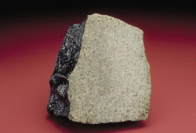 nakhla-meteorite-fragment-655[1]