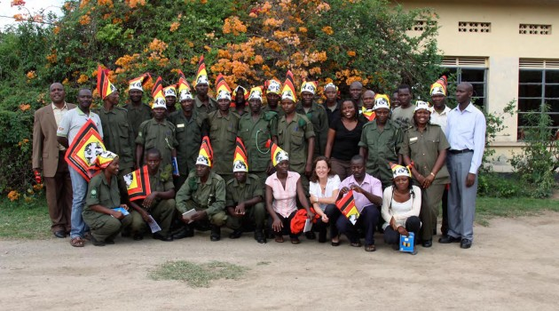 Uganda park rangers with cell phones may help stop next world influenza epidemic