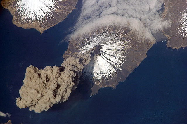 640px-MtCleveland_ISS013-E-24184