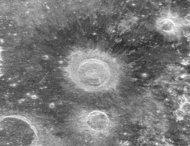 Aristillus crater
