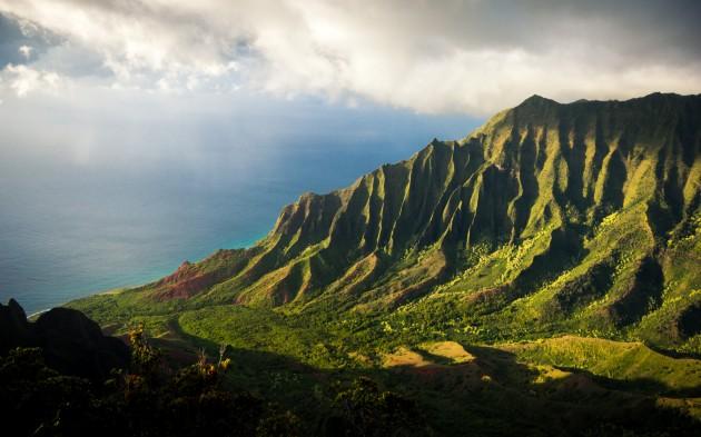 The lower Kalalau Valley, Koke'e State Park, Kauai, Hawaii (Photo: Alex Schwab)