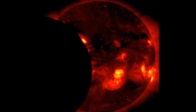 X-ray image of the solar eclipse observed, on Nov. 3, 2013. (Photo: NASA/Hinode)