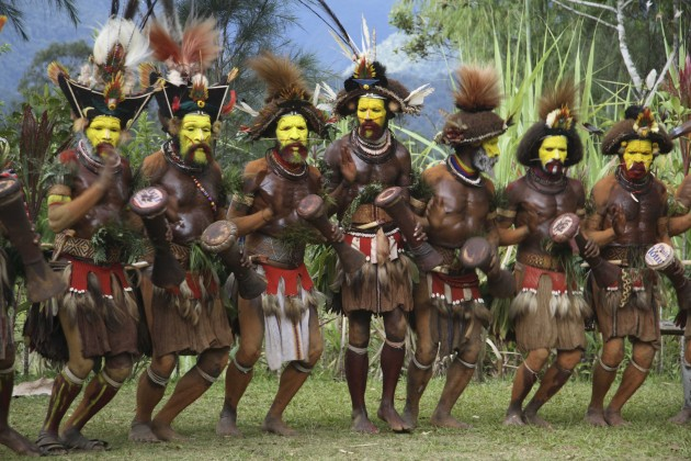 Huli Wigmen in line, New Guinea. (Photo: Bruce Beehler)