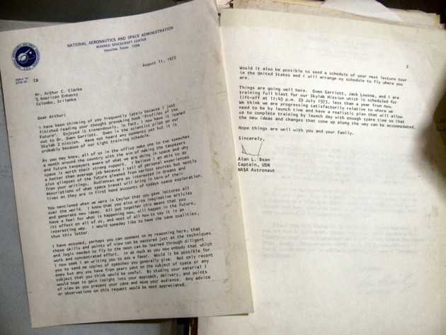 1972 letter from NASA astronaut Alan Bean to author Arthur C. Clarke (National Air and Space Museum / Smithsonian Institution photo)