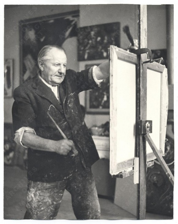 Hans Hofmann at work in his studio, 1952. Kay Bell Reynal, photographer. Courtesy Archives of American Art, Smithsonian Institution.
