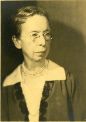 Mary Jane Rathbun (1860-1943), Smithsonian Institution Archives. Image SIA2009-2095.