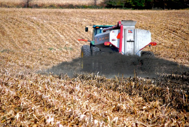 A truck applies liquid manure to a farm field, some of which will end up in streams and estuaries as runoff. (Photo courtesy Chesapeake Bay Program)