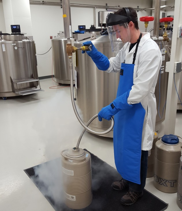 liquid nitrogen freezing - Smithsonian's Global Genome Initiative