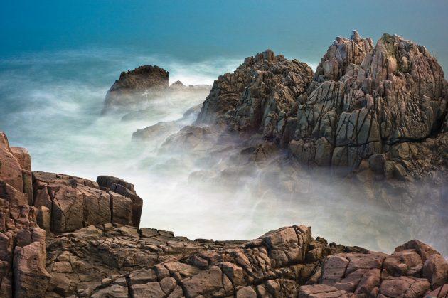 basalts emerge from ocean