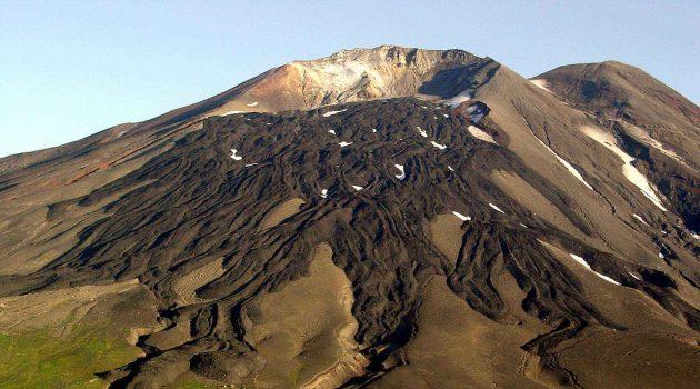 Smithsonian volcanologist Elizabeth Cottrell explores Alaskan Volcanoes