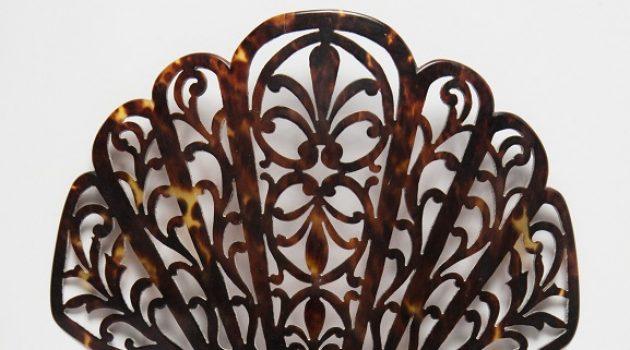 Peineta (comb), gift of Monty Freeman. Cooper Hewitt, Smithsonian Design Museum